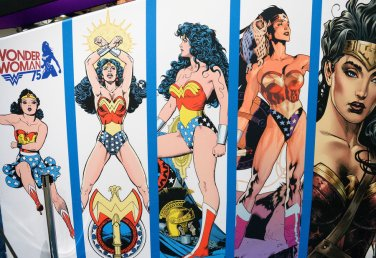 wonder-woman-comic-con-3416438f3864e993dbafdea93df1735f58dfd0b5-s900-c85.jpg