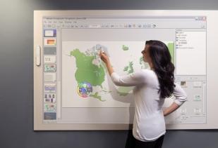 Woman-eBeam-Scrapbook-interactive-software-.jpg