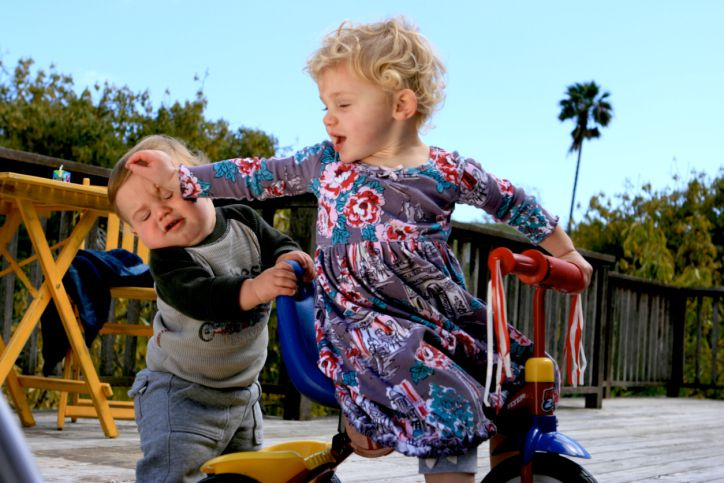 100842711-Children-arguing.jpg