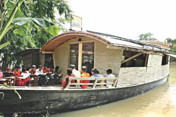 floating_schools1.jpg